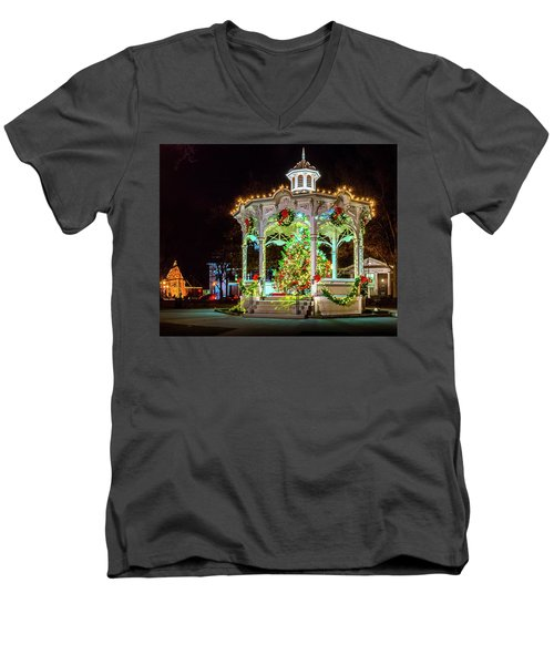 Medina, Ohio Christmas On The Square. Men's V-Neck T-Shirt