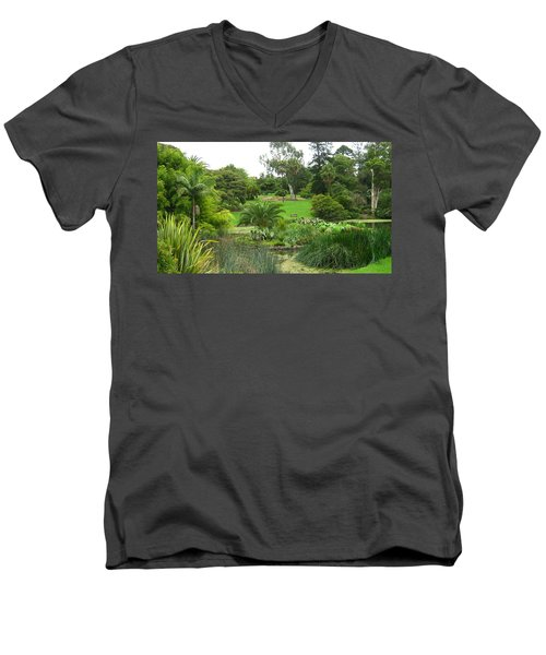 Melbourne Botanical Gardens Men's V-Neck T-Shirt