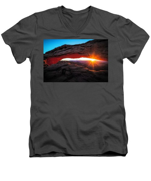 Mesa Arch Men's V-Neck T-Shirt