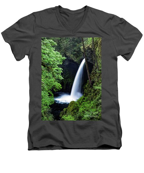 Metlako Falls Waterfall Art By Kaylyn Franks Men's V-Neck T-Shirt
