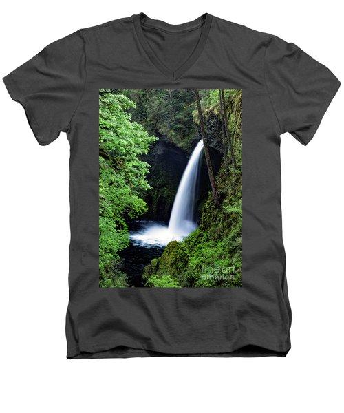 Metlako Falls Waterfall Art By Kaylyn Franks Men's V-Neck T-Shirt