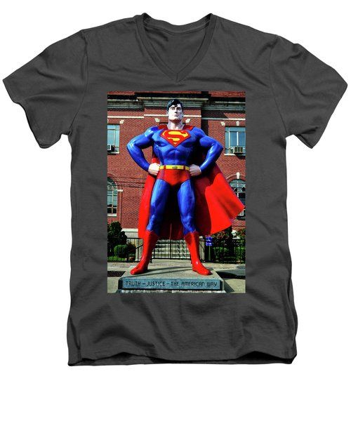Metropolis - Home Of Superman 001 Men's V-Neck T-Shirt