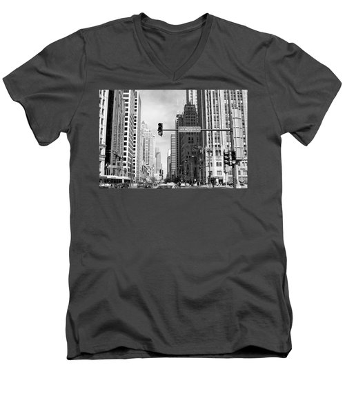 Michigan Ave - Chicago Men's V-Neck T-Shirt