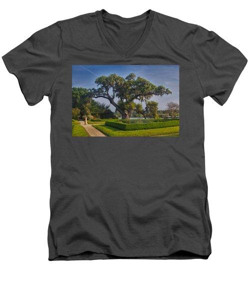 Middleton Oak Men's V-Neck T-Shirt