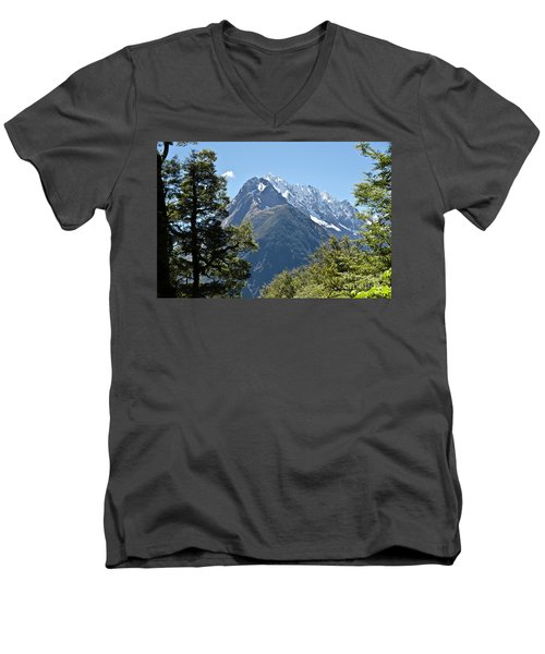 Milford Sound, New Zealand Men's V-Neck T-Shirt