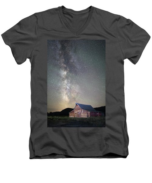 Milky Way And Barn Men's V-Neck T-Shirt