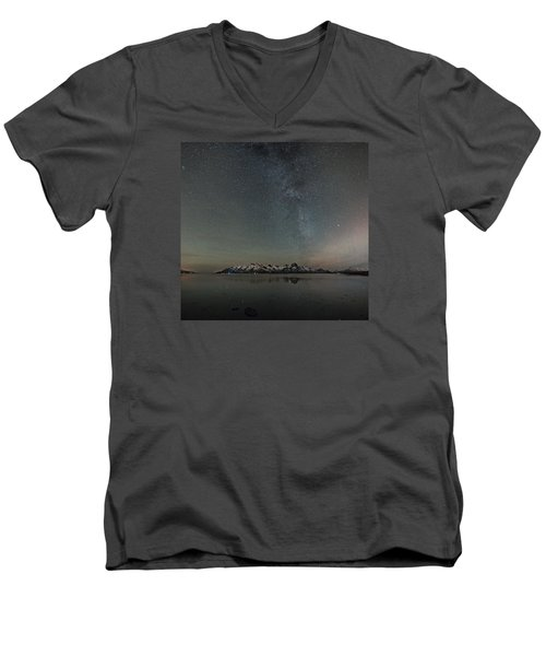 Milky Way And Northern Lights I Men's V-Neck T-Shirt