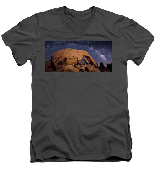 Milky Way Over Arch Rock Men's V-Neck T-Shirt
