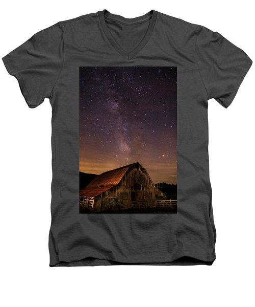 Milky Way Over Boxley Barn Men's V-Neck T-Shirt