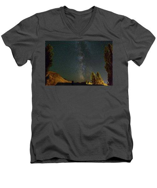 Milky Way Over Farmland In Central Oregon Men's V-Neck T-Shirt