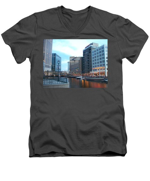 Milwaukee River Walk Men's V-Neck T-Shirt