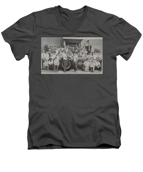 Mineola 0287 Men's V-Neck T-Shirt