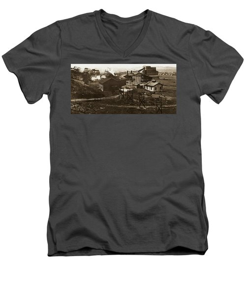 Mineral Springs Colliery Parsons Gravel Hill Scranton Patch Area Of Wilkes Barre Pa 1913 Men's V-Neck T-Shirt