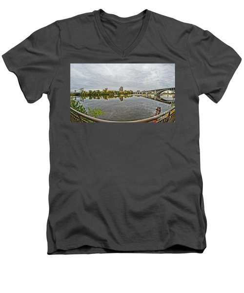 Minneapolis Shoreline Men's V-Neck T-Shirt