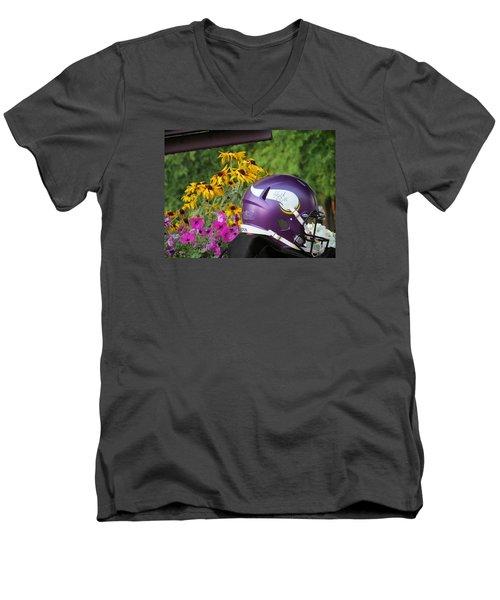 Minnesota Vikings Helmet Men's V-Neck T-Shirt
