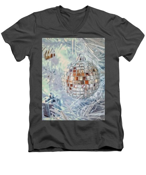 Mirror Tree Ornament Men's V-Neck T-Shirt