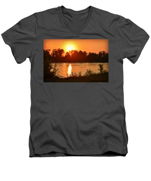 Missouri River In St. Joseph Men's V-Neck T-Shirt