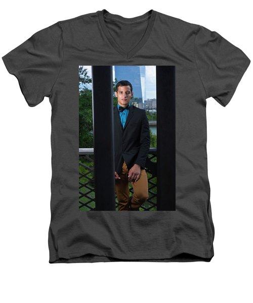 Mister Men's V-Neck T-Shirt