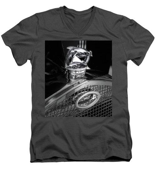 Model A Quail Men's V-Neck T-Shirt