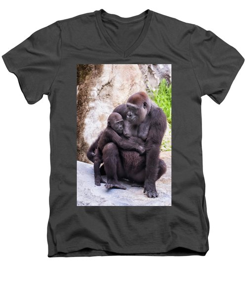Mom And Baby Gorilla Sitting Men's V-Neck T-Shirt