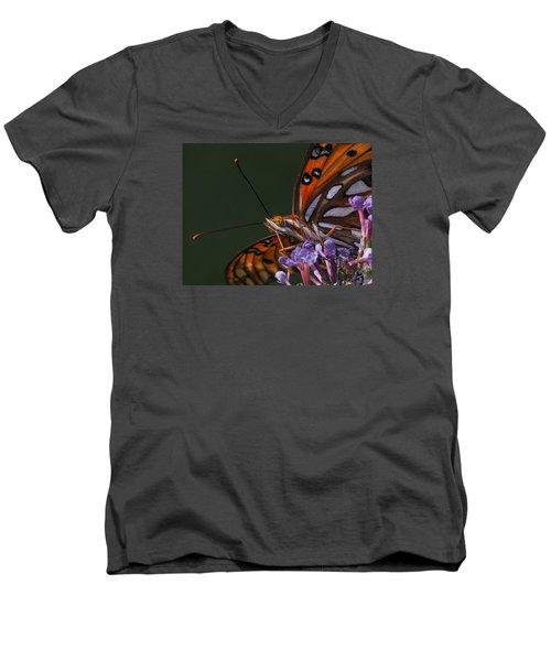 Monarch Butterfly Closeup Men's V-Neck T-Shirt