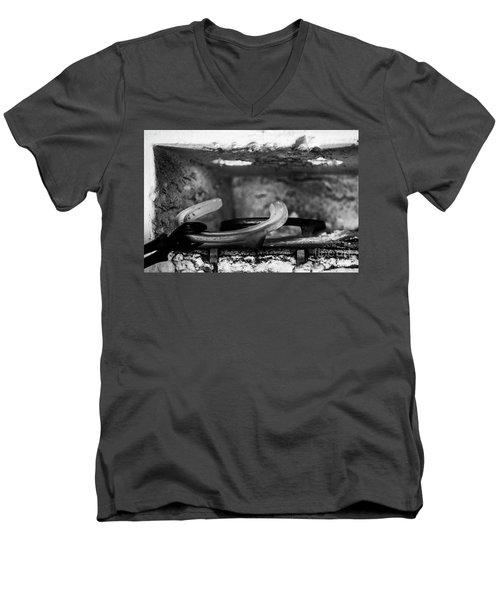 Mono Forge Men's V-Neck T-Shirt