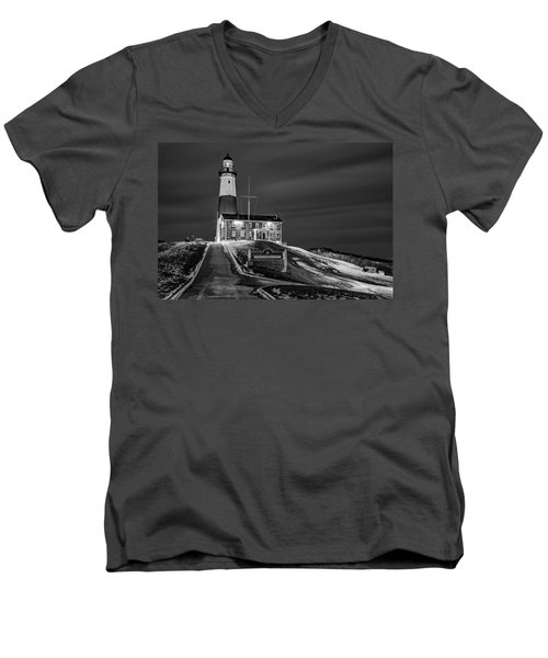 Men's V-Neck T-Shirt featuring the photograph Montauk Point Lighthouse Bw by Susan Candelario