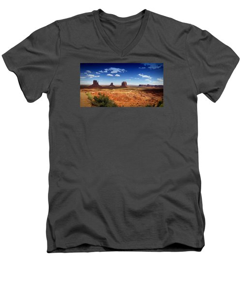 Monument Valley Utah Men's V-Neck T-Shirt