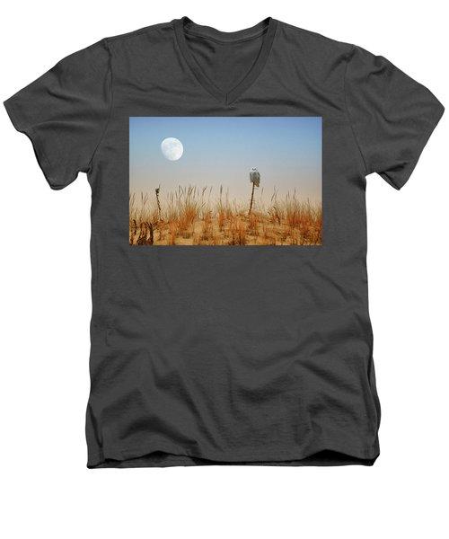Moon Rise Snowy Owl Men's V-Neck T-Shirt