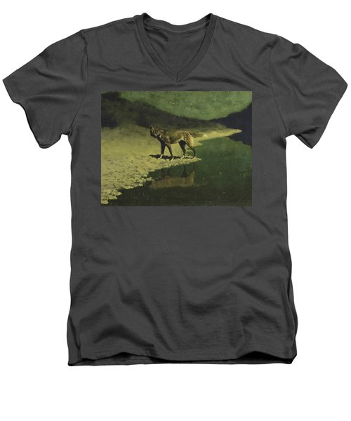 Moonlight, Wolf Men's V-Neck T-Shirt