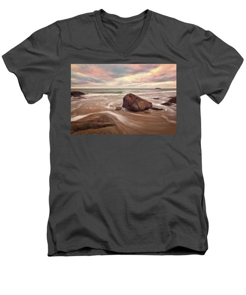 Morning Glow Singing Beach Ma Men's V-Neck T-Shirt