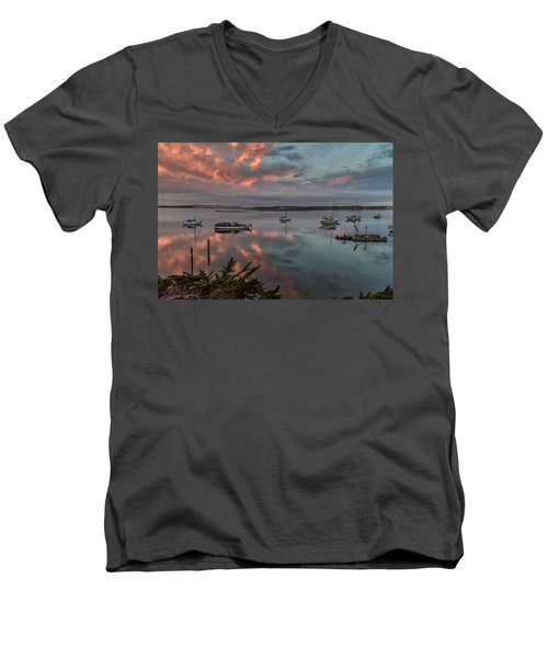 Morrow Bay Men's V-Neck T-Shirt