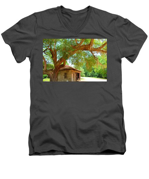 Mossy Tree In Natchez Men's V-Neck T-Shirt