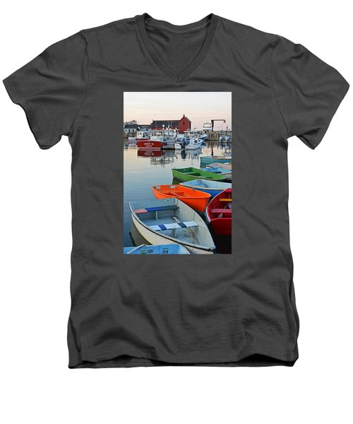 Motif #1 Rockport Ma Men's V-Neck T-Shirt