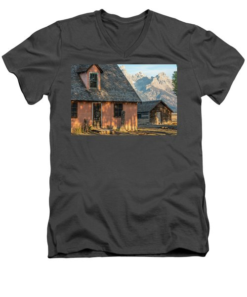 Men's V-Neck T-Shirt featuring the photograph Moulton Homestead - Pink House At Morning Light by Colleen Coccia