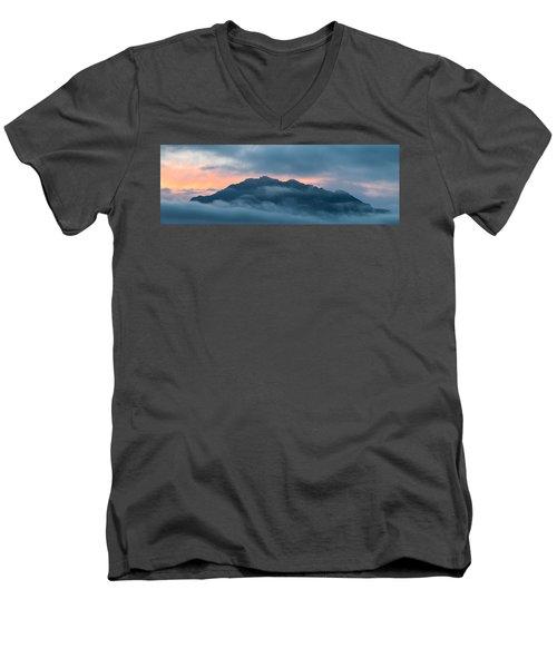 Mount Franklin Stormy Winter Sunset Pano Men's V-Neck T-Shirt