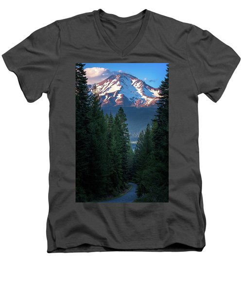 Mount Shasta - A Roadside View Men's V-Neck T-Shirt