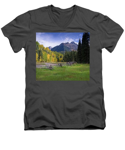 Mount Sneffels In Autumnn Men's V-Neck T-Shirt