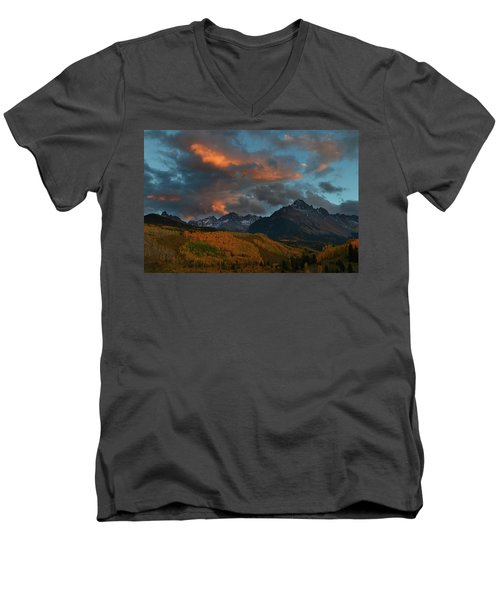 Mount Sneffels Sunset During Autumn In Colorado Men's V-Neck T-Shirt by Jetson Nguyen