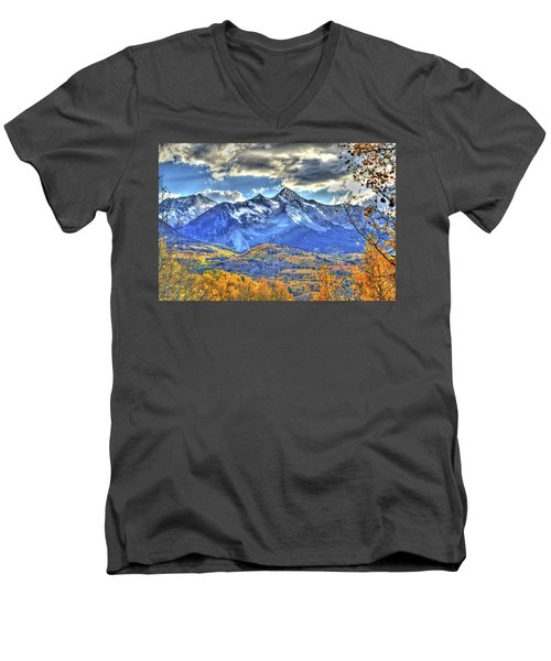 Mount Wilson Men's V-Neck T-Shirt