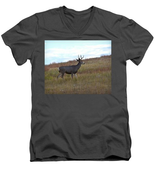 Mountain Climbing Deer Men's V-Neck T-Shirt