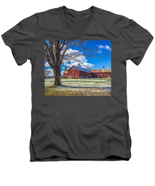 Mountain View Barn Men's V-Neck T-Shirt
