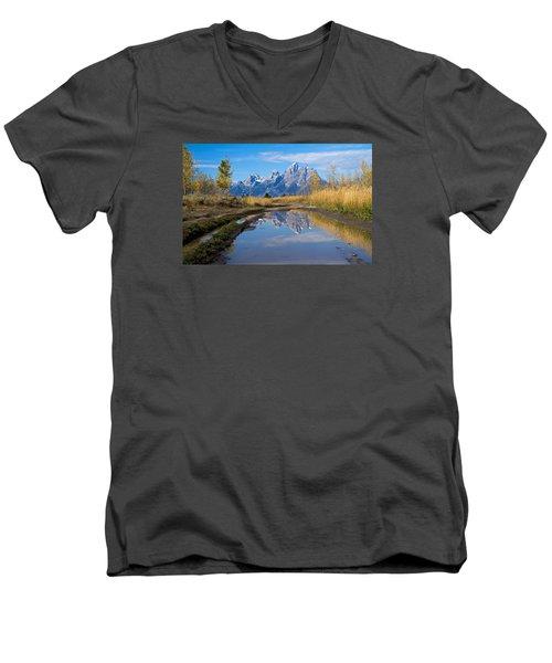 Mud Puddle Reflection Men's V-Neck T-Shirt