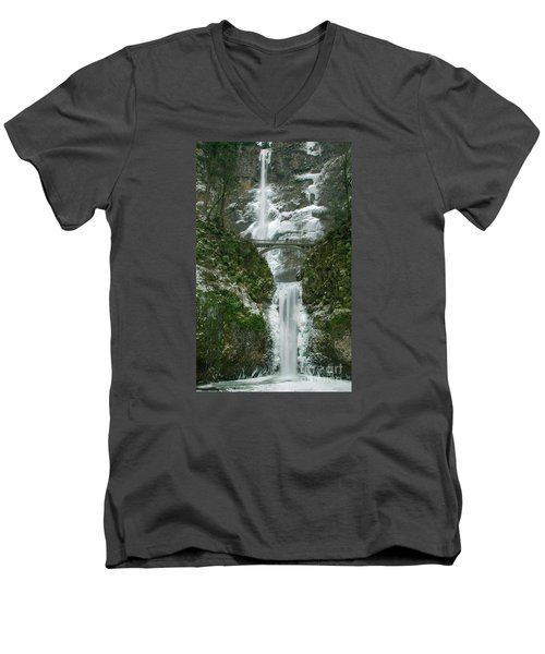 Multnomah Falls Ice Men's V-Neck T-Shirt