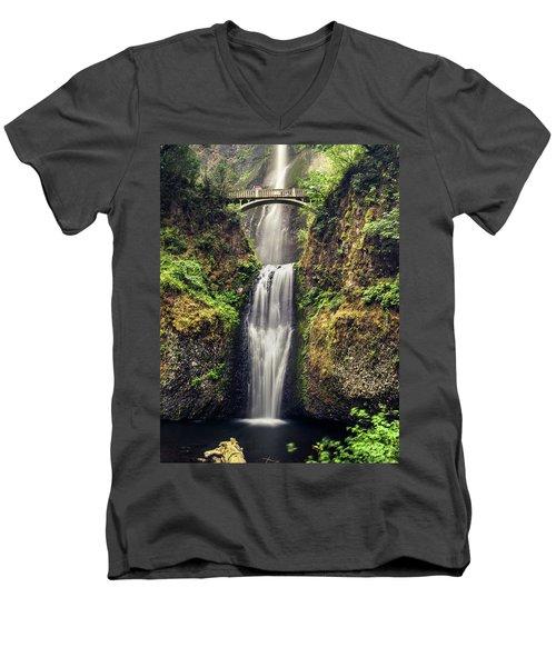 Multnomah Falls Lower Men's V-Neck T-Shirt