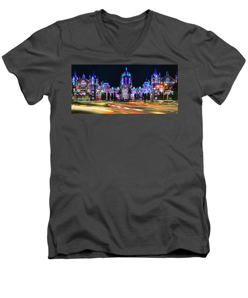 Mumbai Moment Men's V-Neck T-Shirt