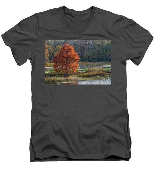 Men's V-Neck T-Shirt featuring the photograph Muscatatuck - D009967 by Daniel Dempster