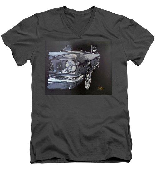 Mustang Front Men's V-Neck T-Shirt