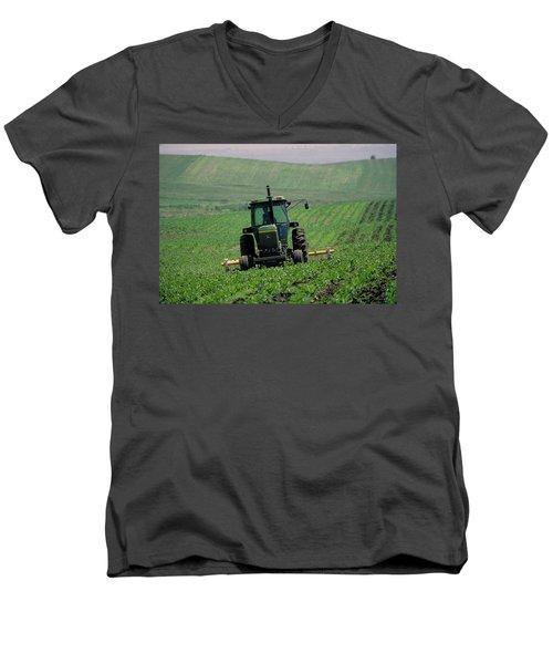 My Big Green Tractor Men's V-Neck T-Shirt