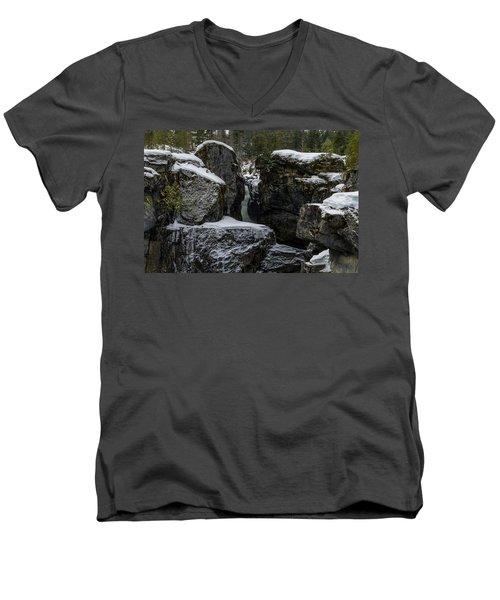 Nairn Falls, Winter Men's V-Neck T-Shirt